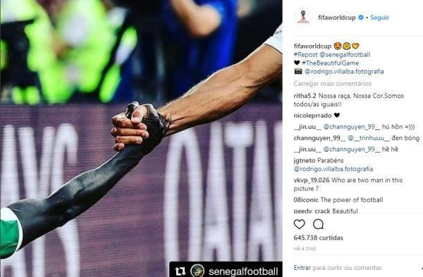 Instagram da Fifa compartilha a foto com Cionek e Man\u00e9