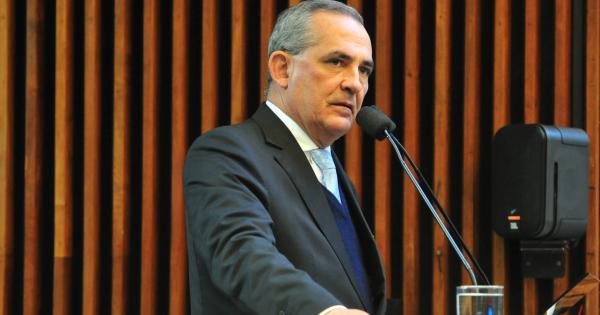 """""""Nereu Moura (MDB): ideia \u00e9 reduzir depend\u00eancia do Executivo"""""""