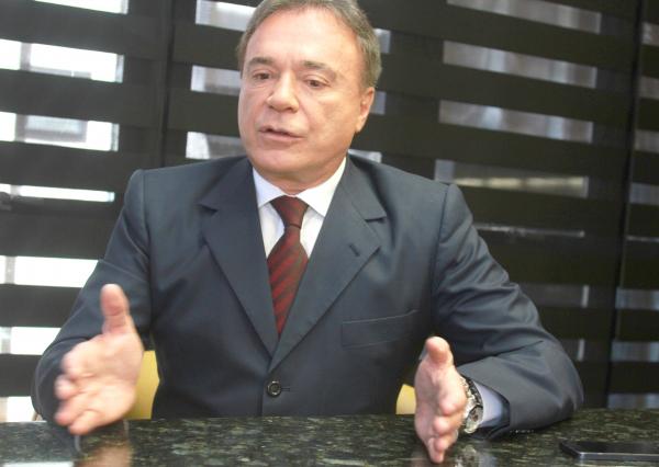 """""""Alvaro Dias: \u201cN\u00e3o existe nenhuma hip\u00f3tese disso\u201d"""""""