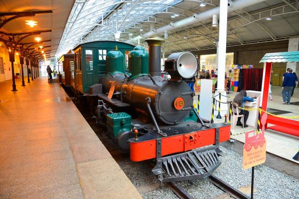 Maria Fuma\u00e7a \u00e9 original do tempo \u00e1ureo das ferrovias