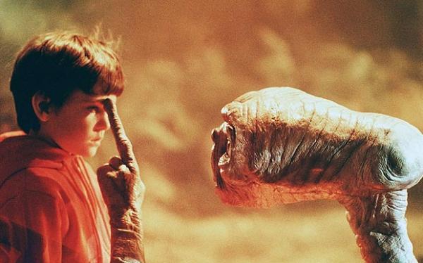 E.T., O Extraterrestre, de Steven Spielberg.