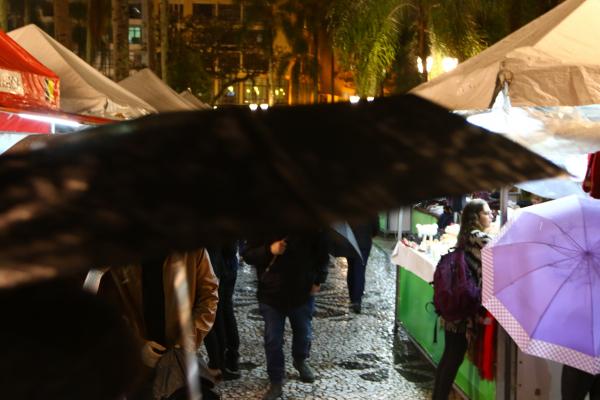 Imagem do dia 12 de junho, uma das \u00faltimas chuvas em Curitiba