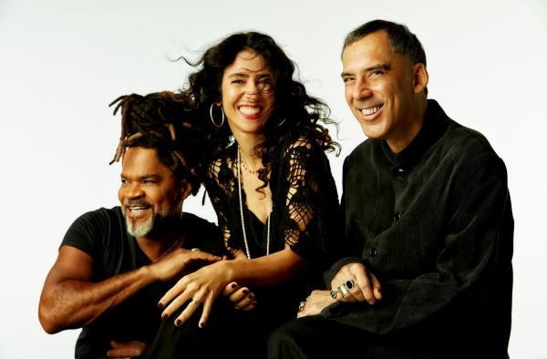 Carlinhos Brown, Marisa Monte e Arnaldo Antunes.