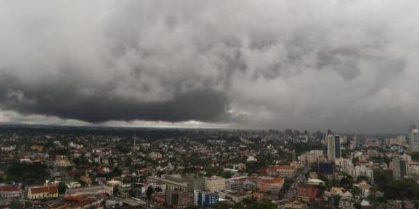 Previsão para sexta-feira é de chuva em quase todo o Paraná. Veja o mapa