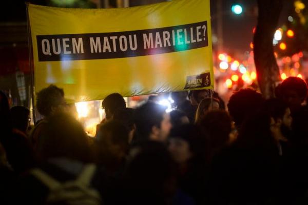 Manifestantes lembram os assassinatos da vereadora Marielle Franco (PSOL) e do motorista Anderson Gomes