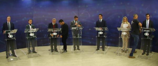 """""""Debate na Band TV, ontem: no primeiro confronto, \""""todos\"""" contra Cida Borghetti e Ratinho J\u00fanior"""""""
