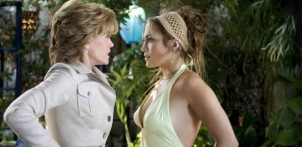 """Jane Fonda e Jennifer Lopez em cena no filme 'A Sogra\"""" (2005)"""