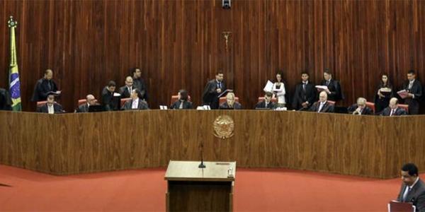 Lula está impedido de concorrer à Presidência, após julgamento no TSE