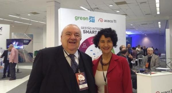 Na imagem, Greca e Cris Alessi, presidente da Ag\u00eancia Curitiba, no Smart Cities em SP
