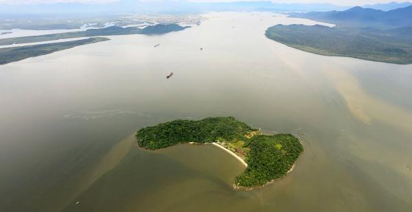 """""""Ilha das Cobras: at\u00e9 2011, local funcionava como resid\u00eancia de veraneio de governadores"""""""