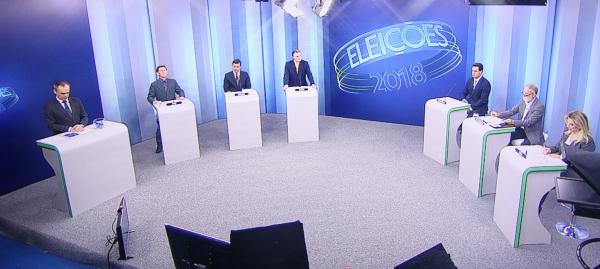 Em debate 'morno', candidatos ao governo do Paraná evitam confronto