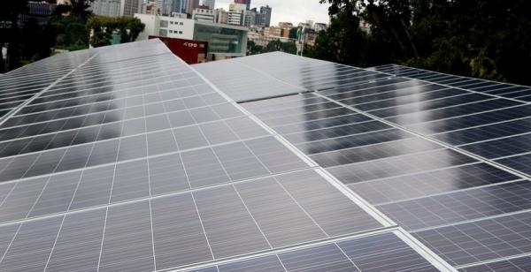 Celepar instala painéis de energia solar e pode economizar R$ 60 mil por ano