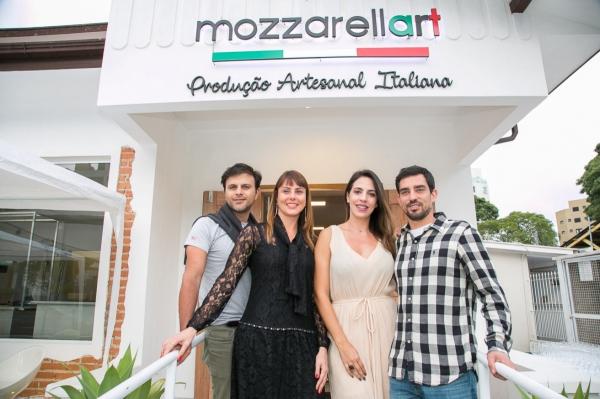Da esquerda para direita Angelo Martiriggiano, Renata Bueno, Bruna Bueno, Ricardo Bueno