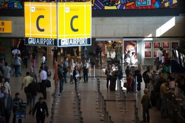 O aeroporto de Guarulhos, na Grande S\u00e3o Paulo
