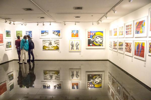 Diversas fases do artista em uma mostra