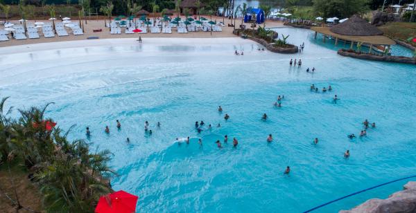 O Blue Park \u00e9 o maior parque aqu\u00e1tico do Sul do Pa\u00eds