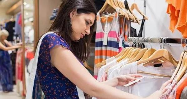Pesquisa mostra que 47% dos consumidores devem passar o Réveillon com roupa nova
