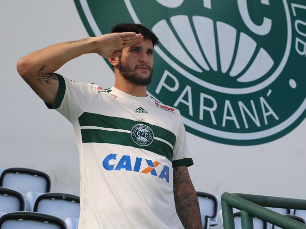 """""""Bruno Moraes: centroavante mostra como comemora seus gols"""""""