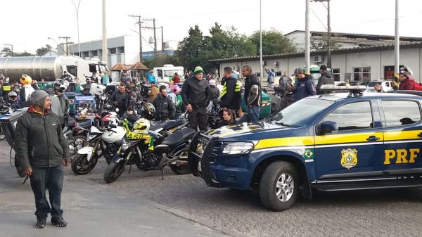 Protesto contra aumento dos combustíveis ganha reforço de motoboys e motoristas de aplicativos no Paraná