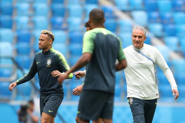 Resultado de imagem para Brasil quer equilíbrio para tentar primeira vitória na Copa