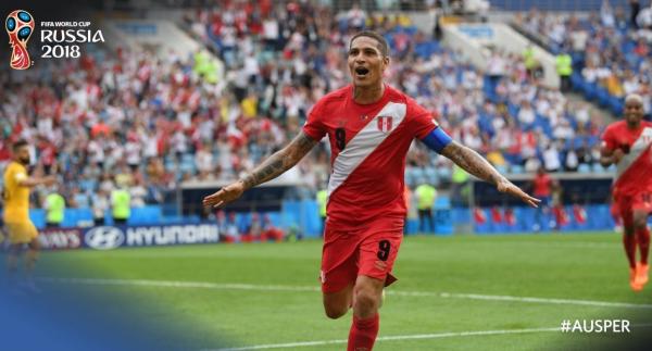 Guerrero comemora gol do Peru sobre a Austr\u00e1lia