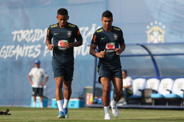 Gabriel Jesus e Casemiro correm no treino dessa sexta-feira