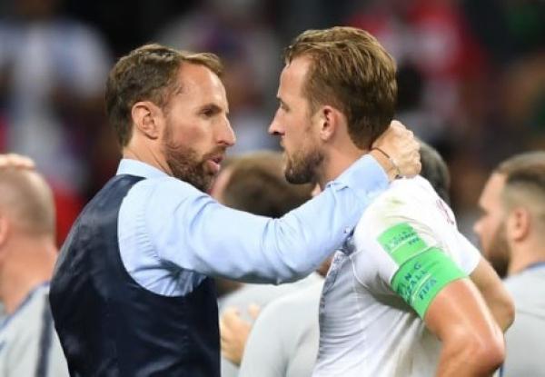 """""""Southgate fala com Kane: com quem?"""""""