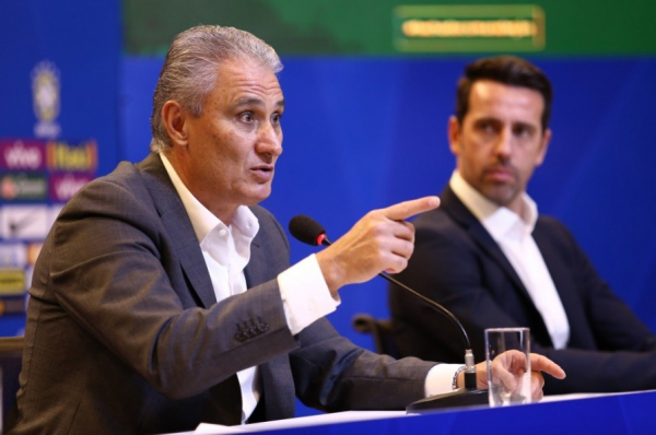 Tite aceita proposta da CBF e renova contrato até Copa de 2022