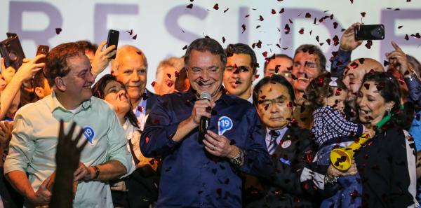 Alvaro Dias convida Moro para ministro e promete priorizar combate à corrupção