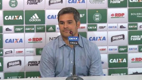 O diretor de futebol Augusto Oliveira