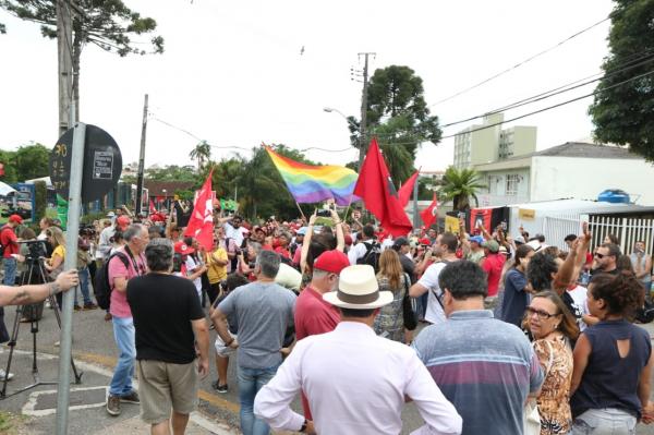 Juíza diz que não irá cumprir imediatamente a liminar para soltar Lula e pede manifestação do MPF