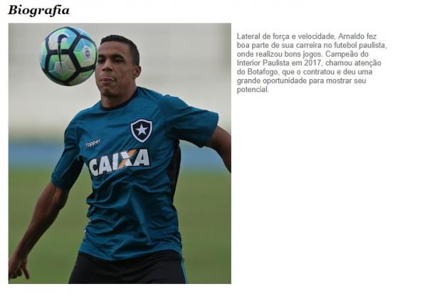 O lateral-direito Arnaldo