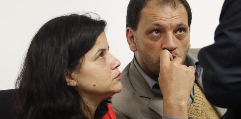 Os pais de Raquel, Maria Cristina Lobo Oliveira e Michael Genofre, acompanharam o anúncio da secretaria de Estado de Segurança