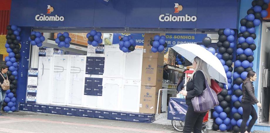 Lojas de rua se prepararam para a Black Friday