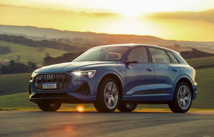 Audi e-tron: dois motores elétricos realmente silenciosos, que combinam para uma potência total de 408 cv