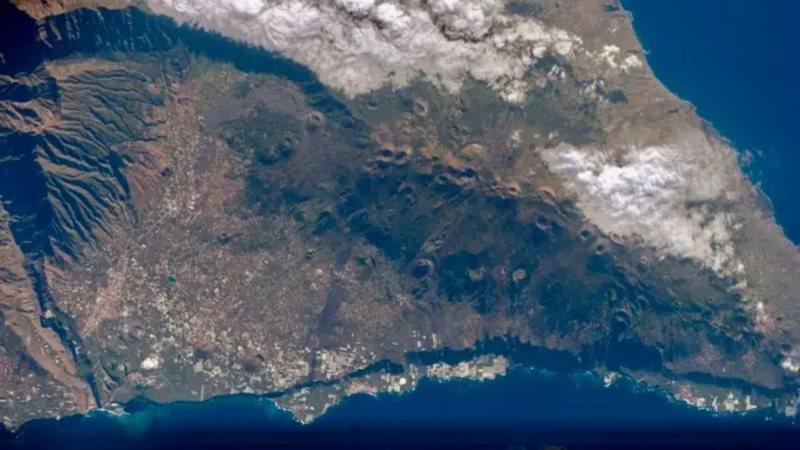 Vista de cima do Vulcão Cumbre Vieja