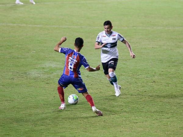 Ruy contra Daniel: meia do Coritiba teve mais uma atuação fraca na Bahia