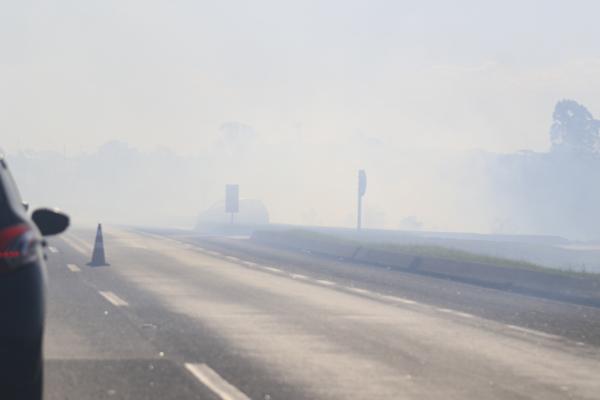 Tráfego foi interrompido entre Curitiba e São José dos Pinhais