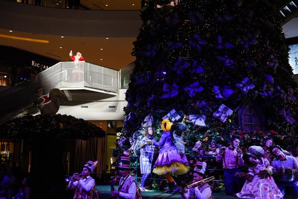 De olho nas vendas e nos turistas, shoppings e Prefeitura antecipam Natal em Curitiba - Bem Parana
