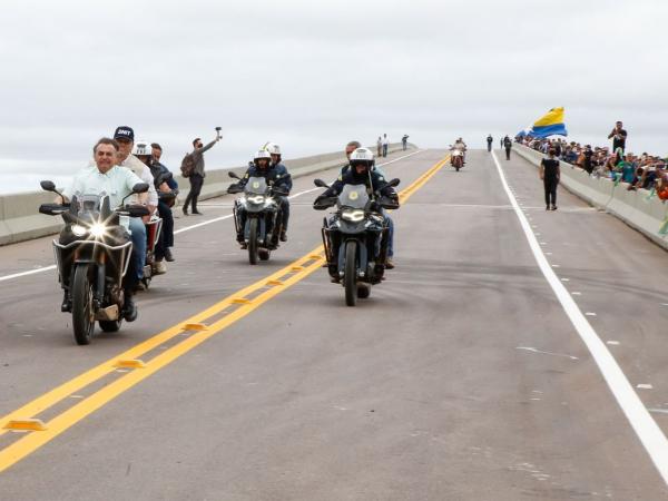 Bolsonaro diz em evento que 'só falta assinar' decreto contra medidas restritivas