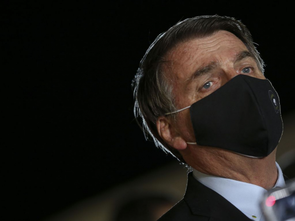 Bolsonaro:  deputado federal na época, acusou o colega de calúnia, injúria e difamação por tê-lo chamado de ignorante, racista e desonesto