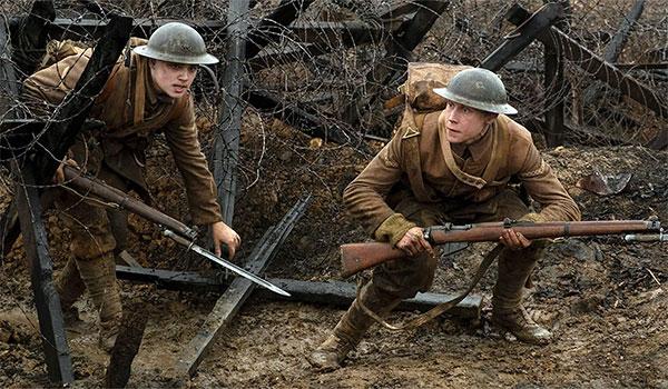 Os soldados Schofield e Blake na trincheira no filme '1917': imersão para a plateia