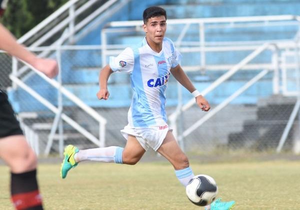 O meia Luquinha: três gols na vitória do Londrina