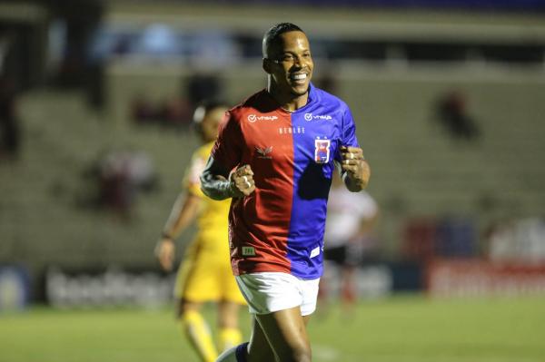 Guilherme Santos: 36 jogos como titular do Paraná Clube