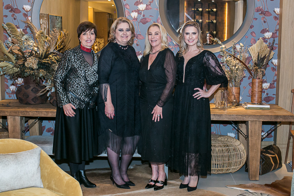 Olga Bergamini, Karin Neitzke, Angela Russi e Viviane Loyola