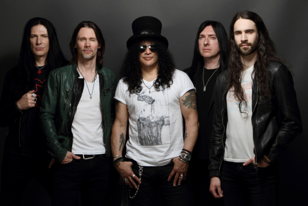 É a quarta vez que Slash faz show na capital paranaense