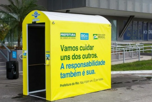 Cabine de desinfecção no Rio de Janeiro