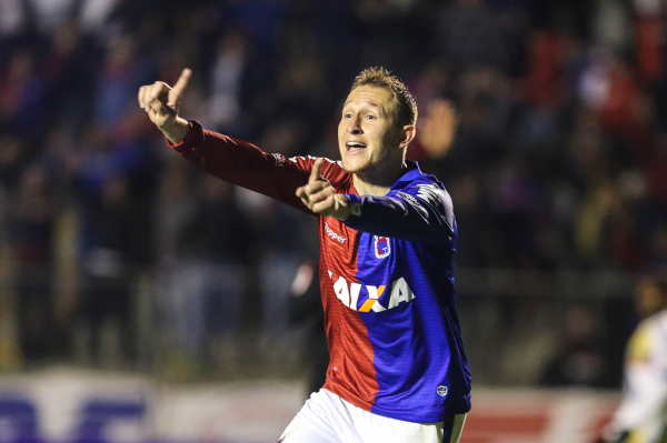 O centroavante Grampola: um gol em nove jogos pelo Joinville em 2019