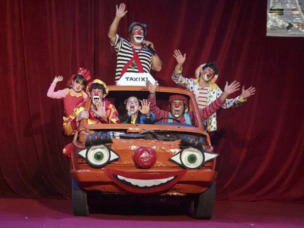 Um dos mais tradicionais circos de Curitiba, o Zanchettini continua sua temporada de apresentações no Parque Barigui