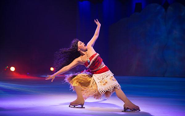 "'Aladdin', 'A Bela e a Fera' e 'A Pequena Sereia"" (acima) e Moana  (ao lado): Alguns  dos destaques sobre  o gelo da Disney"